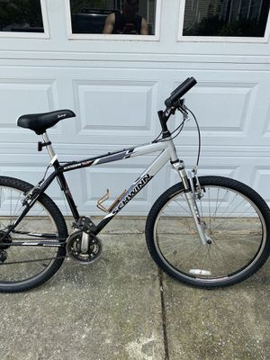 Mountain bike 26 front suspension for Sale in Lawrenceville, GA