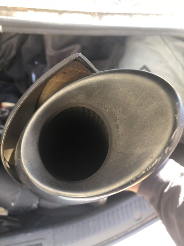 06 Yamaha stock exhaust WITHOUT baffles. Has a nice little deep tone to them.
