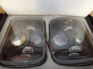 Headlights for 1990 jeep cherokee for Sale in Grand Terrace, CA