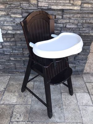SOLID WOOD EDDIE BAUER HIGH CHAIR for Sale in Rialto, CA