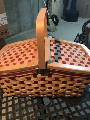 Longaberger Picnic Basket for Sale in Medford Lakes, NJ