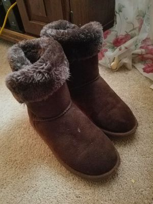 Girls boots size 2-3 for Sale in Shirley, MA
