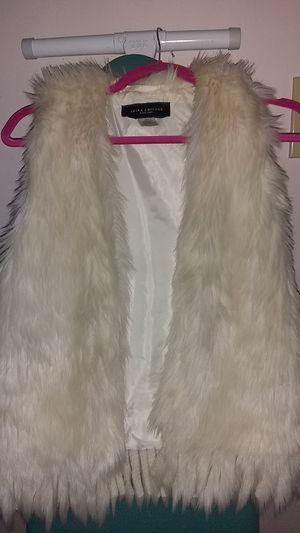 Light creme fur vest for Sale in Chicago, IL