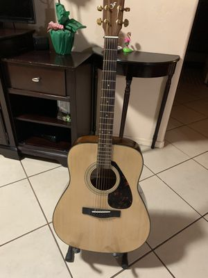 Yamaha Acoustic Guitar for Sale in Bakersfield, CA