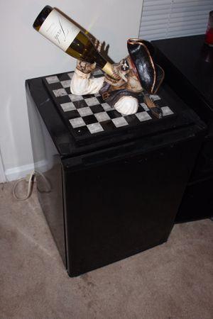 Mini fridge/freezer for Sale in Charlotte, NC