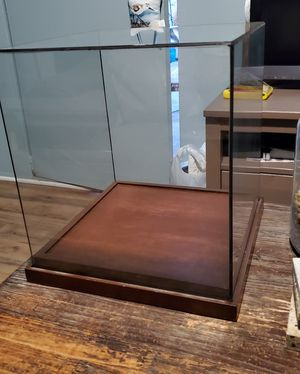 Glass display case for Sale in Long Beach, CA