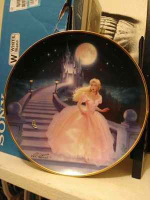 Beautiful rare Cinderella glass slipper collectible plate for Sale in North Las Vegas, NV