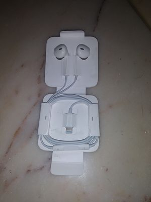 Apple headphones for Sale in Watertown, TN