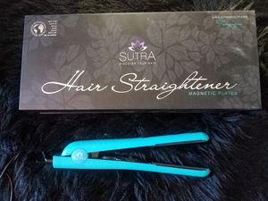 Sutra Magnetic Hair Straightener for Sale in Alta Loma, CA
