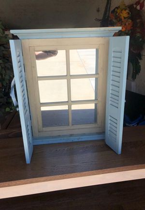 Wall mirror for Sale in Sanger, CA