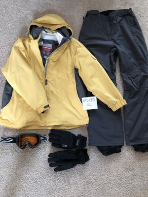 Women's Ski Jacket, Pants, Goggles, and Gloves for Sale in Swatara, PA