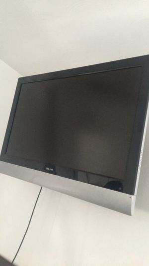 38' inches pol raid tv including wall brakets for Sale in West Haven, CT