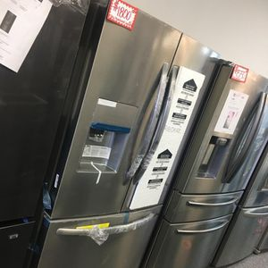 NEW FRIGIDAIRE SCRATCDENT FRIGIDAIRE STAINLESS STEEL FRENCH DOORS FRIDGE WITH MANUFACTURED WARRANTY for Sale in Laurel, MD
