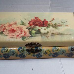 Antique Victorian Glove/ Dresser Box for Sale in Aurora, OR
