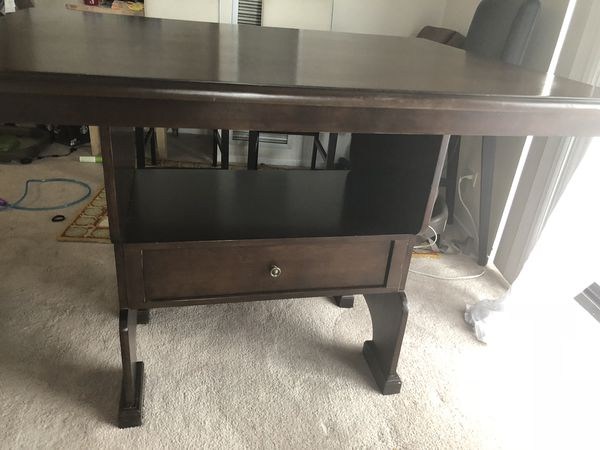 Wooden Breakfast table in throw away price