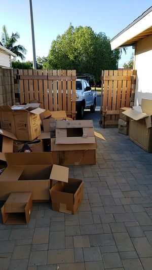 Cardboard moving shipping boxes for recycle for Sale in Anaheim, CA