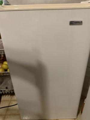 Kenmore mini fridge for Sale in Brea, CA