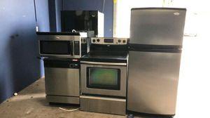 Stainless steel four piece kitchen appliance set for Sale in Orlando, FL