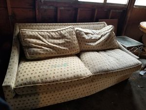 Table and couch for Sale in Tacoma, WA