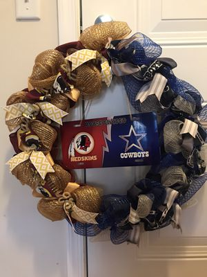 House Divided wreath Dallas Cowboys/Washington Redskins for Sale in Clarksburg, MD
