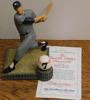 The Hamilton Collection Mickey Mantle Statue for Sale in Tomball, TX