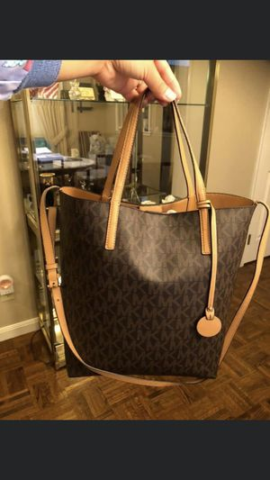 (1MK, 2 COACH )pre love Large Tote Bags for Sale in San Ramon, CA
