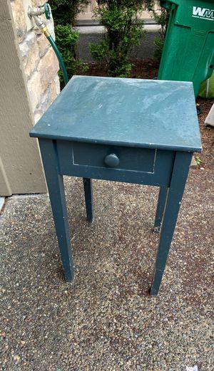 Free side table for Sale in Edmonds, WA