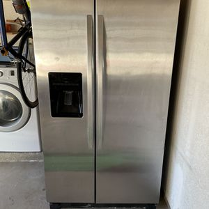 Kenmore Refrigerator for Sale in San Marcos, CA