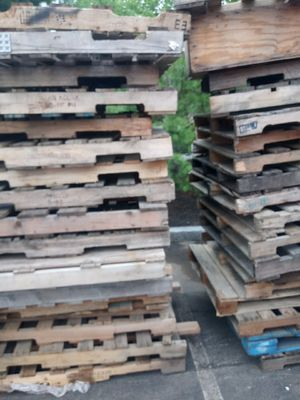 Free pallets for Sale in Newton, MA