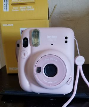 Instax mini 11 camera for Sale in Biscayne Park, FL