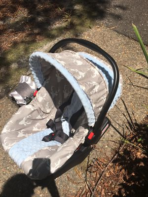 Graco click connect car seat for Sale in Fort Bragg, NC