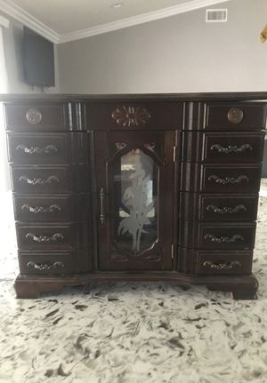 Antique Vintage Jewelry box many drawers and mirrors. Mint condition for Sale in Pomona, CA