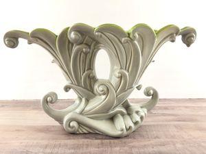 Antique Porcelain Royal Haeger Double Fan Shell Cornucopia Vase for Sale in Merritt Island, FL