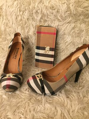 Shoes & wallet for Sale in Hilliard, OH