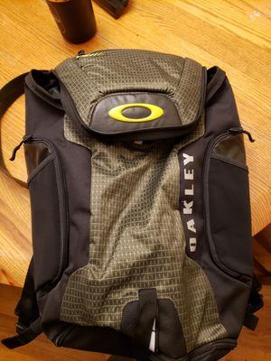 Oakley backpack for Sale in Gresham, OR