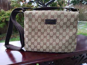 Nice crossbody bag for Sale in Everett, WA