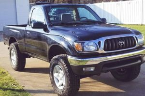 VERY NICE SHAPE TOYOTA TACOMA SE HAS NO ISSUES 2001 for Sale in Austin, TX