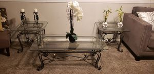 Beautiful end tables and coffee table. for Sale in Los Angeles, CA