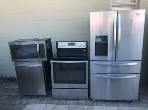 For sale!!!! Kitchen set whirlpool for Sale in Tampa, FL