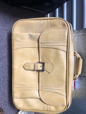 Retro yellow suitcase for Sale in Poway, CA