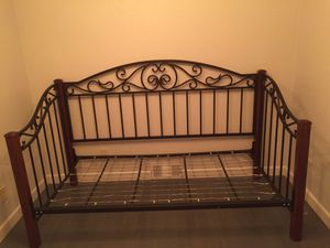 Vintage style metals and wood Day bed. for Sale in Ashwaubenon, WI
