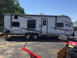 Camper, RV trailer, Jay Flight year 2019 for Sale in Aurora, IL