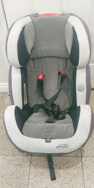 Carseat for Sale in Fontana, CA