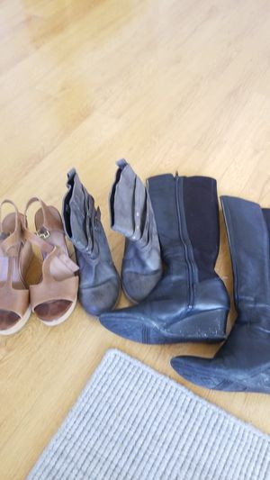 Women's shoes size 7 - FREE for Sale in Los Angeles, CA