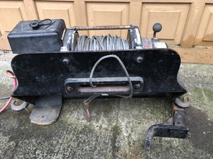 8000lb warn winch and mount for square body chevys. for Sale in Vancouver, WA