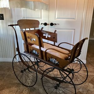 Antique 1890's Baby Carriage Buggy w/Silk Parasol for Sale in Yucaipa, CA