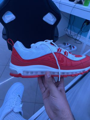 Nike airmax 98 university red size 11 (NO BOX) for Sale in Hialeah, FL