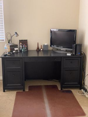 Black office desk for Sale in Riverside, CA