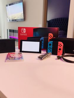 Nintendo Switch Like New Original Box + 1 Game All Cords for Sale in Las Vegas,  NV