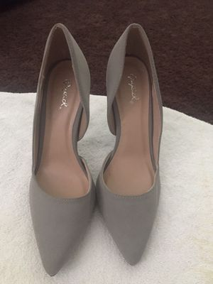 Gray Heels Size 8. porch pick up for Sale in Whitehall, OH